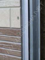 саморезы расположены слишком близко к краю панели